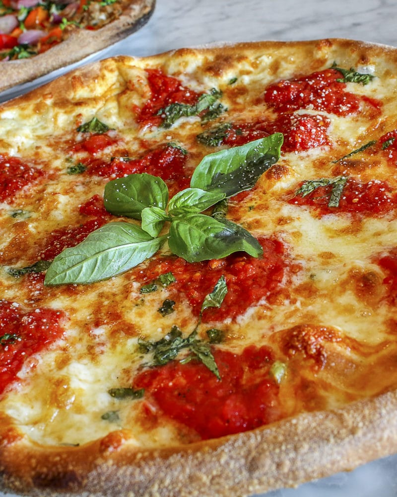 Classic Margherita Pizza – Under 300 Calories!